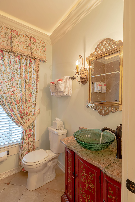 17 2nd bathroom pic